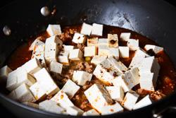 Mapo Tofu Cooking Process | omnivorescookbook.com