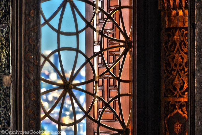 Inside-Inside-Topkapi-Palace - adventure in Istanbul
