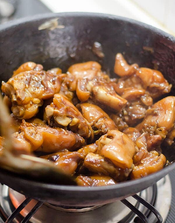 Mom's Best Braised Pork Feet | omnivorescookbook.com