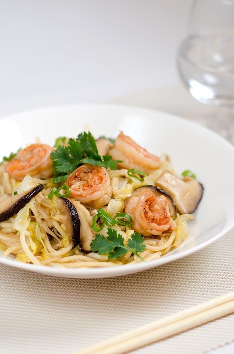 Shrimp and Vegetable Fried Noodles | Omnivore's Cookbook