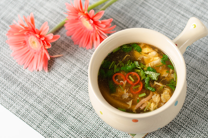 Hot and Sour Soup | Omnivore's Coobkook