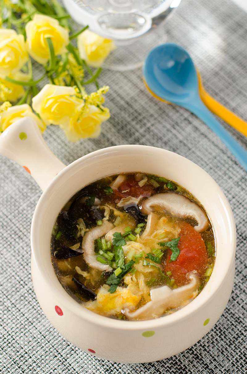 Hot and Sour Soup - 20 Chinese Recipes You Need to Try Out in 2015 | Omnivore's Coobkook