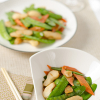 Stir-Fried Snow Peas and Water Chestnuts   Omnivore's Cookbook