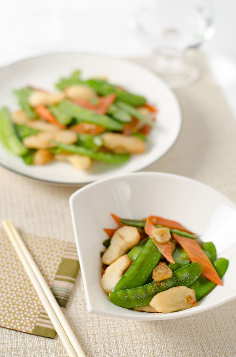 Stir-Fried Snow Peas and Water Chestnuts | Omnivore's Cookbook