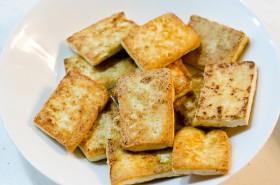 Sweet Sour Tofu cooking process | Omnivore's Cookbook