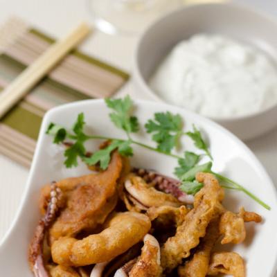 Beer Battered Calamari with Yogurt sauce | Omnivore's Cookbook