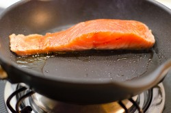 Crispy Salmon with Soba Noodles and yogurt Sauce Cooking Process | Omnivore's Cookbook