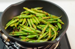 Curry Pork and Green Beans Stir Fry Cooking Process | Omnivore's Cookbook