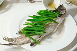 Authentic Chinese Steamed Fish Cooking Process | omnivorescookbook.com