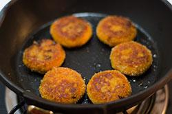 Chinese Pumpkin Bun cooking process | omnivorescookbook.com/