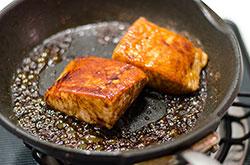Teriyaki Salmon Sandwich cooking process | omnivorescookbook.com