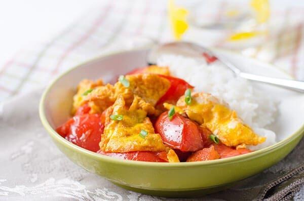 Classic Tomato and Egg Stir-Fry | omnivorescookbook.com