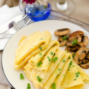 Egg and Green Onion Crepe | omnivorescookbook.com