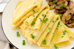 Egg and Green Onion Crepe Thumbnail | omnivorescookbook.com
