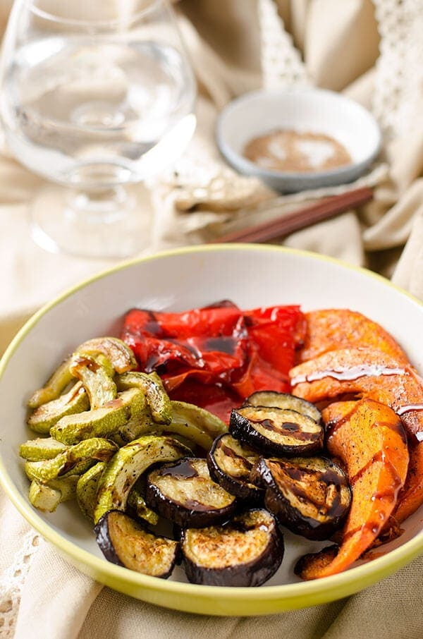 Roasted Vegetables with Balsamic Glaze | omnivorescookbook.com