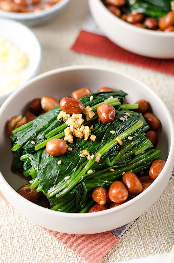 Chinese Spinach and Peanut Salad - 20 Chinese Recipes You Need to Try Out in 2015 | omnivorescookbook.com