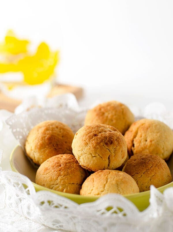 The apple pie cookie is a mini pie presented in the shape of a cookie ...
