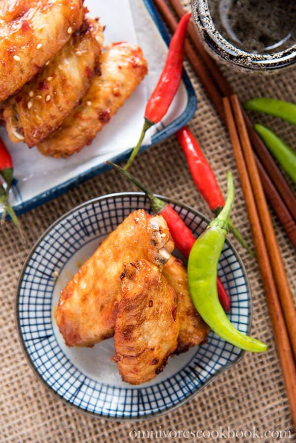 Chinese Baked Hot Wings | omnivorescookbook.com