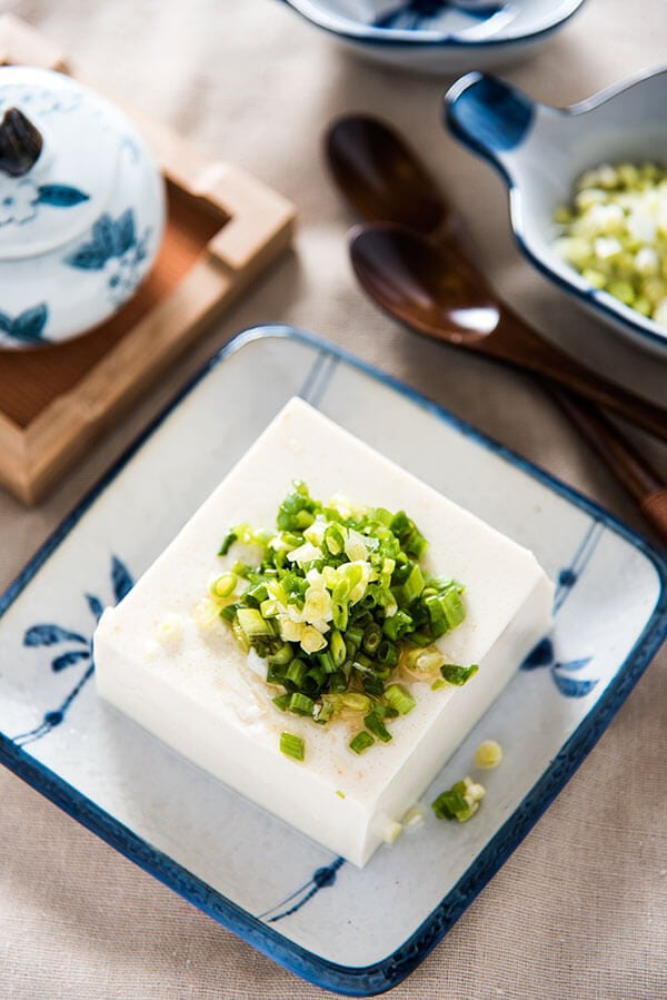 Green Onion Tofu Salad | omnivorescookbook.com