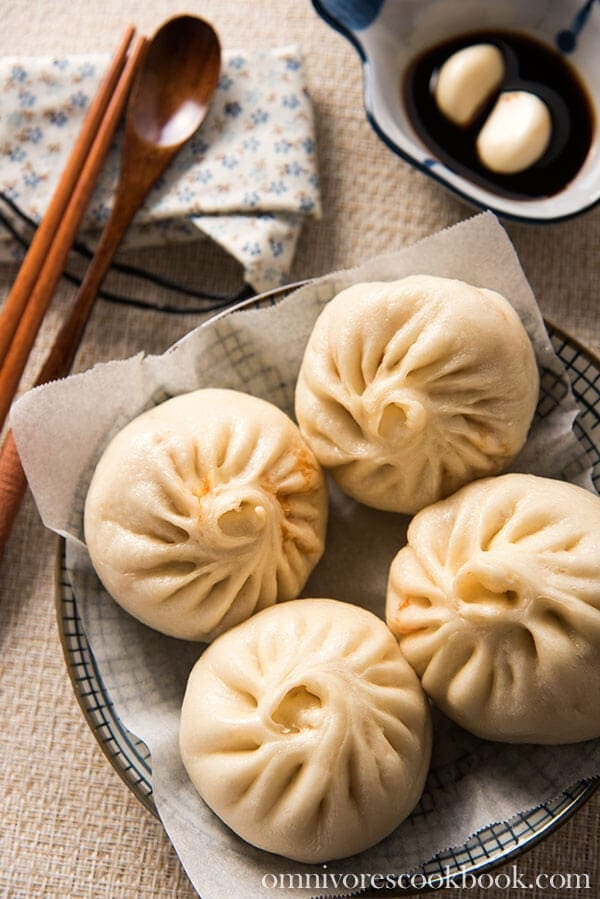 Addictive Kimchi Pork Steamed Bun - 20 Chinese Recipes You Need to Try Out in 2015 | omnivorescookbook.com