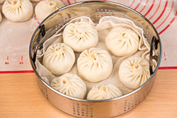 Addictive Kimchi Pork Steamed Bun Cooking Process | omnivorescookbook.com