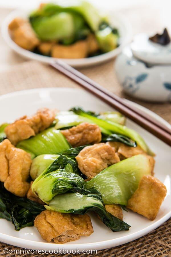 Bok Choy Stir-Fry with Crispy Tofu | omnivorescookbook.com