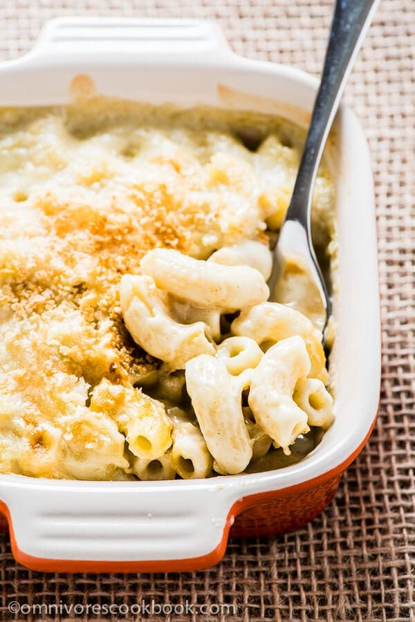 Healthy Mac and Cheese with Green Curry | omnivorescookbook.com