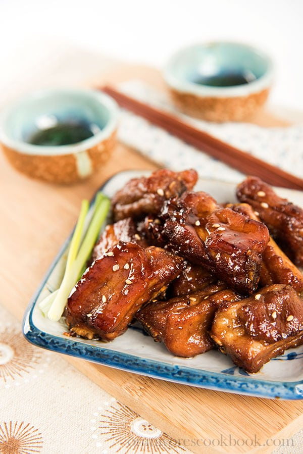 The Best Crispy Sweet and Sour Ribs (糖醋小排) | omnivorescookbook.com