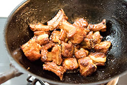 Sweet and Sour Pork Ribs Cooking Process | omnivorescookbook.com
