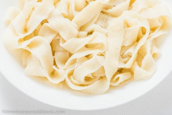 Hand Pulled Noodles - Thumbnail | omnivorescookbook.com