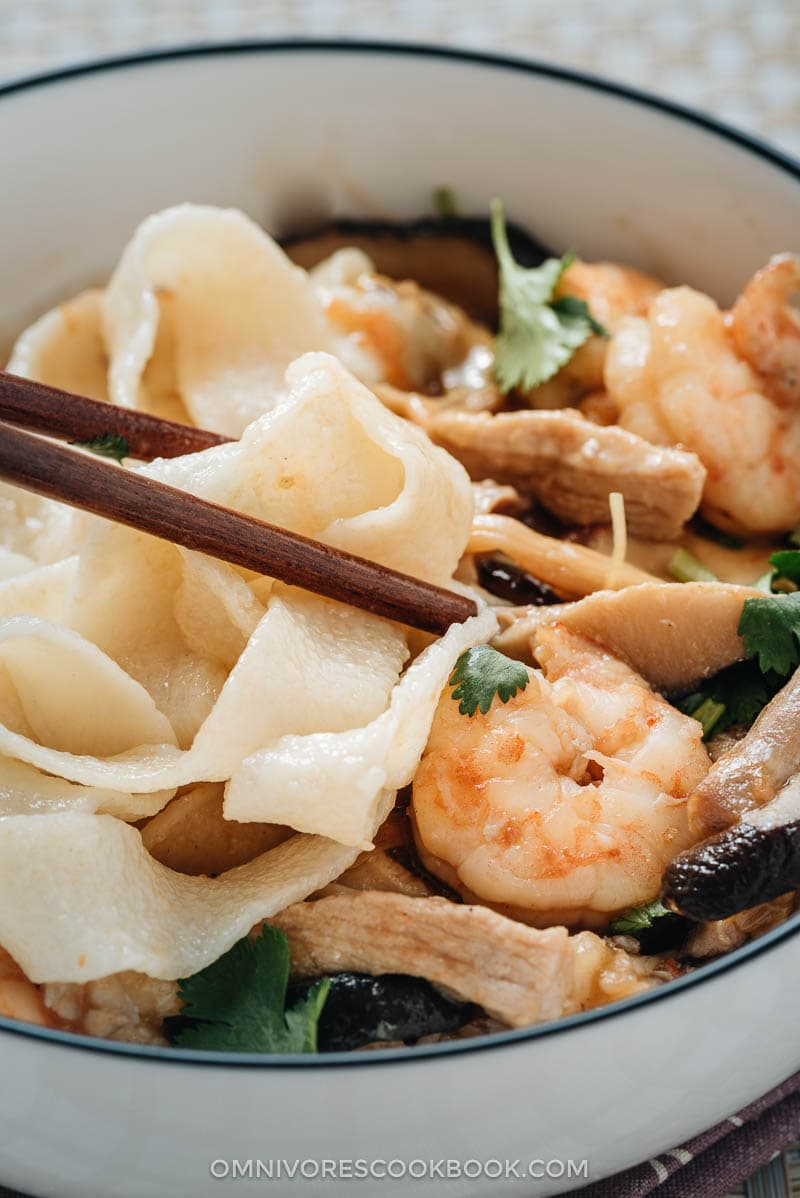 Homemade hand-pulled noodles served with shrimp sauce