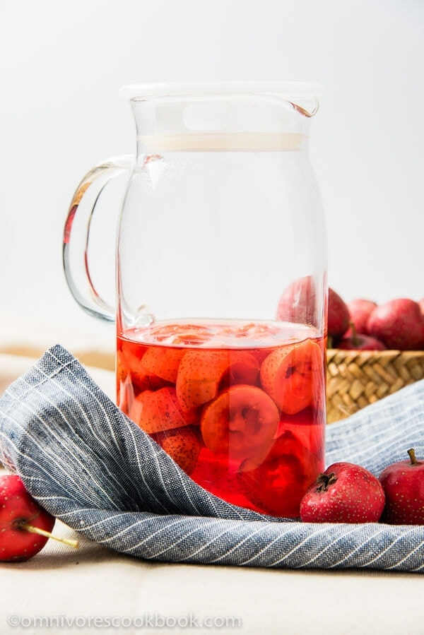 Hawthorn Berry Juice - a healthy and delicious treat in the winter. The juice is so rich, sweet, and fruity in flavor | omnivorescookbook.com
