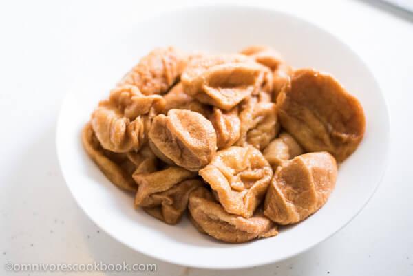 Fried Gluten Balls (面筋) | omnivorescookbook.com