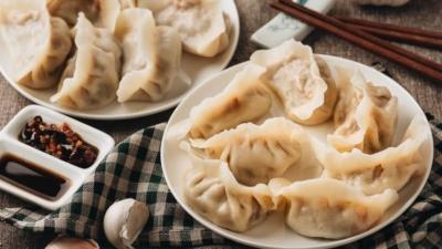 Water boiled lamb dumplings
