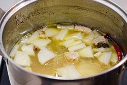 Lanzhou Beef Noodles Cooking Process | omnivorescookbook.com