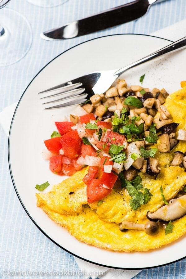 Mushroom Omelet | omnivorescookbook.com