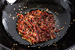 Sichuan All Purpose Chili Garlic Sauce Cooking Process | omnivorescookbook.com