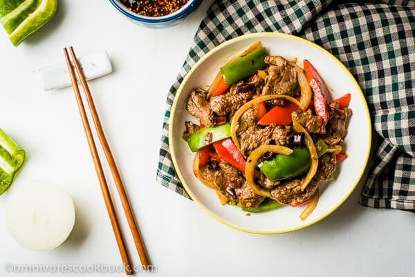 Spicy Beef Stir-Fry with Pepper - A super comforting and appetizing stir-fried beef dish with a sweet, savory flavor and a pungent aroma | omnivorescookbook.com