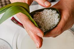 Zongzi with Red Bean Paste (Sticky Rice Dumplings) Cooking Process   omnivorescookbook.com