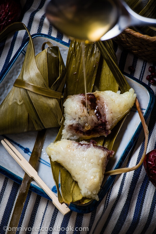 Zongzi with Red Bean Paste (Sticky Rice Dumplings) | omnivorescookbook.com