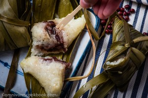 Zongzi with Red Bean Paste (Sticky Rice Dumplings) | omnivorescookbook.com