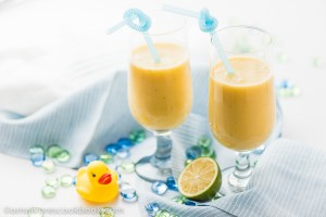 Banana Coconut Mango Smoothie - A quick and delicious summer drink that only requires three ingredients! | omnivorescookbook
