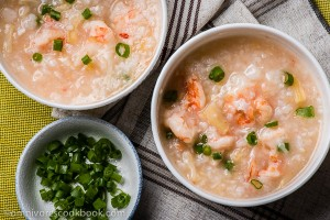 Seafood Congee - the ultimate comfort food | omnivoerscookbook.com