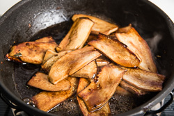 Teriyaki King Oyster Mushroom Cooking Process | Omnivorescookbook.com
