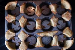 Wonton Nachos with Pulled Chicken and Mango Salsa Cooking Process | omnivorescookbook.com