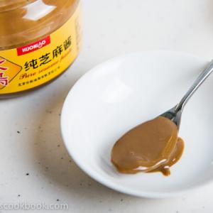 Chinese Sesame Paste 芝麻酱 | omnivorescookbook.com