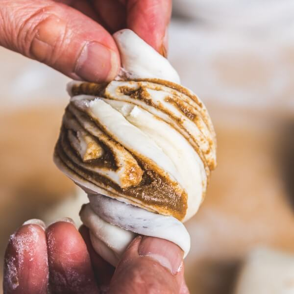 Nutty steamed buns - The buns are stuffed with sesame paste and sugar, then steamed until fluffy and light. A simple and tasty side or snack | omnivorescookbook.com