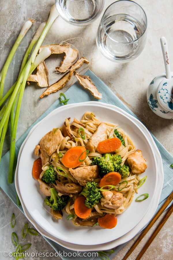 Shacha Chicken Chow Mein - Learn the foolproof method for creating perfect noodles with super tender and moist chicken | omnivorescookbook.com