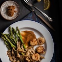 Miso Butter Scallop - A perfect appetizer for a celebration, romantic dinner, or party | omnivorescookbook.com