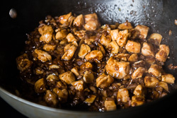 Stir Fried Chicken with Black Bean Sauce Cooking Process | omnivorescookbook.com